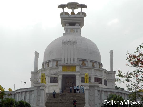shanti-stupa-dhauli-giri